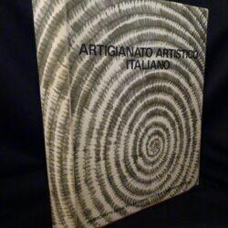 Artigianato artistico italiano – Ente autonomo Mostra Mercato Nazionale dell'Artigianato di Firenze – Tipografia Giuntina1968 Esemplare N°3092