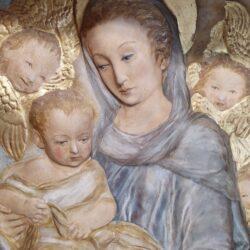 Bassorilievo Madonna con bambino e angeli